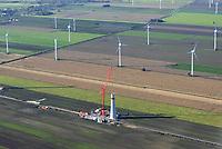 Windkraftanlage im Aufbau: EUROPA, DEUTSCHLAND,  NIEDERSACHSEN (EUROPE, GERMANY), 29.10.2019: Windkraftanlage im Aufbau