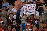 SANTOS,SP, 26.07.2017 - SANTOS-FLAMENGO – Torcida do Flamengo durante partida contra o Santos, jogo válido pelas quartas de final da Copa do Brasil 2017, disputada no estádio da Vila Belmiro em Santos, na noite desta quarta-feira, 26.(Foto: Levi Bianco/Brazil Photo Press)
