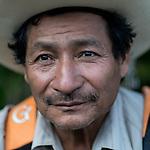 24 noviembre 2014. <br />  Pedro Poo (64 a&ntilde;os) L&iacute;der comunal y Vecino en contra de la Hidroelectrica Renace.<br /> La llegada de algunas compa&ntilde;&iacute;as extranjeras a Am&eacute;rica Latina ha provocado abusos a los derechos de las poblaciones ind&iacute;genas y represi&oacute;n a su defensa del medio ambiente. En Santa Cruz de Barillas, Guatemala, el proyecto de la hidroel&eacute;ctrica espa&ntilde;ola Ecoener ha desatado cr&iacute;menes, violentos disturbios, la declaraci&oacute;n del estado de sitio por parte del ej&eacute;rcito y la encarcelaci&oacute;n de una decena de activistas contrarios a los planes de la empresa. Un grupo de ind&iacute;genas mayas, en su mayor&iacute;a mujeres, mantiene cortado un camino y ha instalado un campamento de resistencia para que las m&aacute;quinas de la empresa no puedan entrar a trabajar. La persecuci&oacute;n ha provocado adem&aacute;s que algunos ecologistas, con &oacute;rdenes de busca y captura, hayan tenido que esconderse durante meses en la selva guatemalteca.<br /> <br /> En Cob&aacute;n, tambi&eacute;n en Guatemala, la hidroel&eacute;ctrica Renace se ha instalado con amenazas a la poblaci&oacute;n y falsas promesas de desarrollo para la zona. Como en Santa Cruz de Barillas, el proyecto ha dividido y provocado enfrentamientos entre la poblaci&oacute;n. La empresa ha cortado el acceso al r&iacute;o para miles de personas y no ha respetado la estrecha relaci&oacute;n de los ind&iacute;genas mayas con la naturaleza. &copy;Calamar2/ Pedro ARMESTRE<br /> <br /> The arrival of some foreign companies to Latin America has provoked abuses of the rights of indigenous peoples and repression of their defense of the environment. In Santa Cruz de Barillas, Guatemala, the project of the Spanish hydroelectric Ecoener has caused murders, violent riots, the declaration of a state of siege by the army and the imprisonment of a dozen activists opposed to the project . <br /> A group of Mayan Indians, mostly women, has 