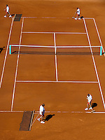 25-05-11, Tennis, France, Paris, Roland Garros, Court maintenance