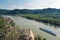 Austria, Lower Austria, UNESCO World Heritage Wachau, view from Vogelbergsteig towards wine town Duernstein with the blue-white tower of the Collegiate church across river Danube towards wine villages Rossatz and Rossatzbach