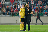 20181009 – BIEL BIENNE , SWITZERLAND : Belgian head coach Ives Serneels (r) pictured talking to Belgian Elke Van Gorp during the female soccer game between Switzerland and the Belgian Red Flames , the second leg in the semi finals play offs for qualification for the World Championship in France 2019 ; the first leg ended in equality 2-2 ;  Tuesday 9 th october 2018 at The Tissot Arena  in BIEL BIENNE , Switzerland . PHOTO SPORTPIX.BE | DAVID CATRY