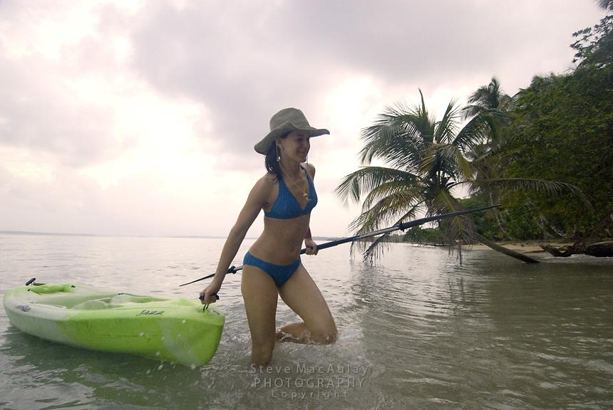 Surf kayaking, Bocas Del Toro, Panama