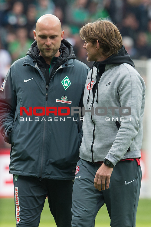 02.05.2015, Weser Stadion, Bremen, GER, 1.FBL. Werder Bremen vs Eintracht Frankfurt, im Bild<br /> <br /> <br /> Christian Vander (Torwart-Trainer Werder Bremen) und TW Trainer Michael Kraft (Eintracht Frankfurt) nach dem Spiel - holt sich Wandre schon die Tips ab f&uuml;r den neuen Werder Keeper Wienwald?<br /> <br /> <br /> Foto &copy; nordphoto / Kokenge