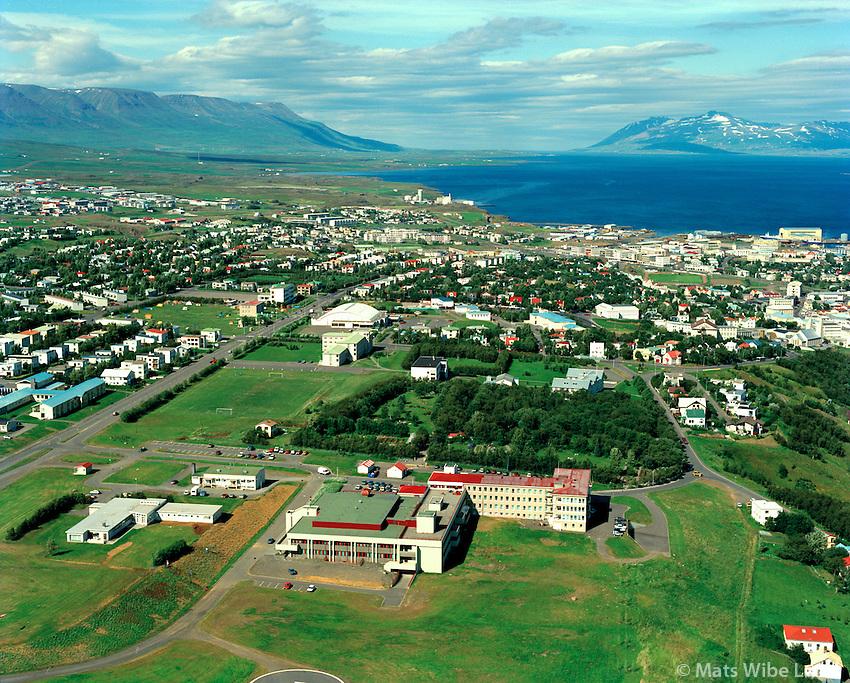 Akureyri séð til norðurs. Sjukrahúsið fremst / Akureyri viewing north. The hospital and park in foreground.