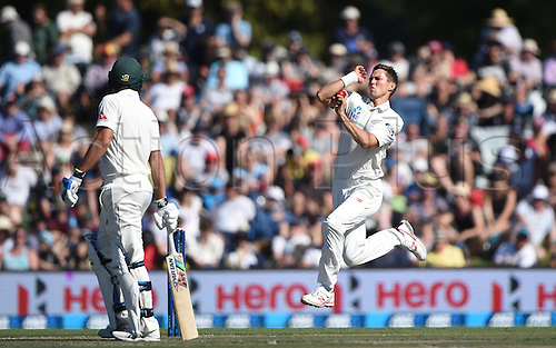 21.02.2016. Christchurch New Zealand.  Trent Boult bowling on Day 2 of the 2nd test match. New Zealand Black Caps versus Australia. Hagley Oval in Christchurch, New Zealand. Sunday 21 February 2016.