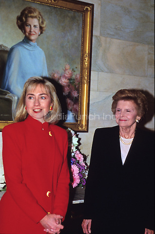 First lady Hillary Rodham Clinton and former first lady Betty Ford pose in front of Ford's portrait in the White House in Washington, D.C. on March 2, 1993..Credit: Jeff Markowitz / Pool via CNP/MediaPunch