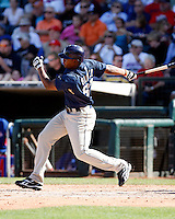 Cedric Hunter - San Diego Padres - 2009 spring training.Photo by:  Bill Mitchell/Four Seam Images