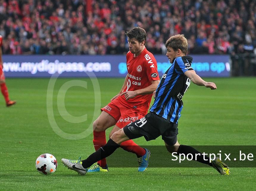 KV Kortrijk - Club Brugge KV : Brandon Mechele met de tackle op Stijn De Smet (links)<br /> foto VDB / Bart Vandenbroucke