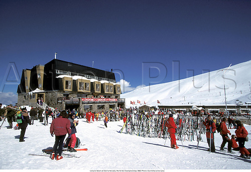 Leisure Skiers at Sierra Nevada, World Ski Championships, 9602 Photo: Glyn Kirk/action plus...1996 ski ing skiing ski-ing resort resorts snow venue venues GV recreation pastime past time ski-er ski-ers skiers