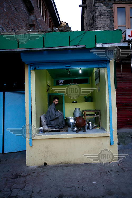 A dairy shop in early morning. Srinagar, Kashmir, India. © Fredrik Naumann/Felix Features