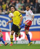 FUSSBALL   1. BUNDESLIGA   SAISON 2012/2013   5. Spieltag SV Werder Bremen - Hamburger SV                     22.09.2012         Mats Hummels (li, Borussia Dortmund) gegen Rafael van der Vaart (re, Hamburg)