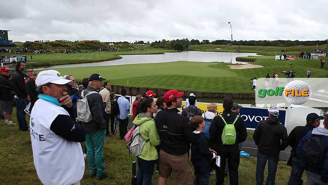 The scene at the last during the Final Round of the Alstom Open de France from Le Golf National, Guyancourt, Versailles, France. Picture:  David Lloyd / www.golffile.ie
