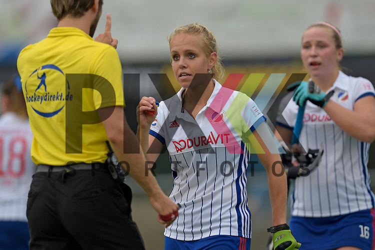 GER - Mannheim, Germany, September 18: During the women hockey match between Mannheimer HC (white) and UHC Hamburg (purple) on September 18, 2016 at Mannheimer HC in Mannheim, Germany. Final score 3-2 (HT 2-1).  Lydia Haase #12 of Mannheimer HC<br /> <br /> Foto &copy; PIX-Sportfotos *** Foto ist honorarpflichtig! *** Auf Anfrage in hoeherer Qualitaet/Aufloesung. Belegexemplar erbeten. Veroeffentlichung ausschliesslich fuer journalistisch-publizistische Zwecke. For editorial use only.