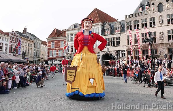 Nederland - Bergen op Zoom - 16 september 2018. Reuzengilde Goirle en Riel. Johanna Abcovia.  Op zondag 16 september 2018 vindt in Bergen op Zoom de Brabant Stoet plaats. Dit is een grootst opgezet festival van de lopende cultuur. Deze vorm van cultuur is kenmerkend voor Brabant. In de Brabant Stoet zijn zo'n honderd vormen van lopende (en rijdende) cultuur te zien zoals gilden, fanfares, steltlopers, reuzen, carnaval, ommegangen en praalwagens. De Brabant Stoet wordt samengesteld met groepen uit zowel Noord-Brabant als Vlaams- en Waals-Brabant.   Foto Berlinda van Dam / Hollandse Hoogte