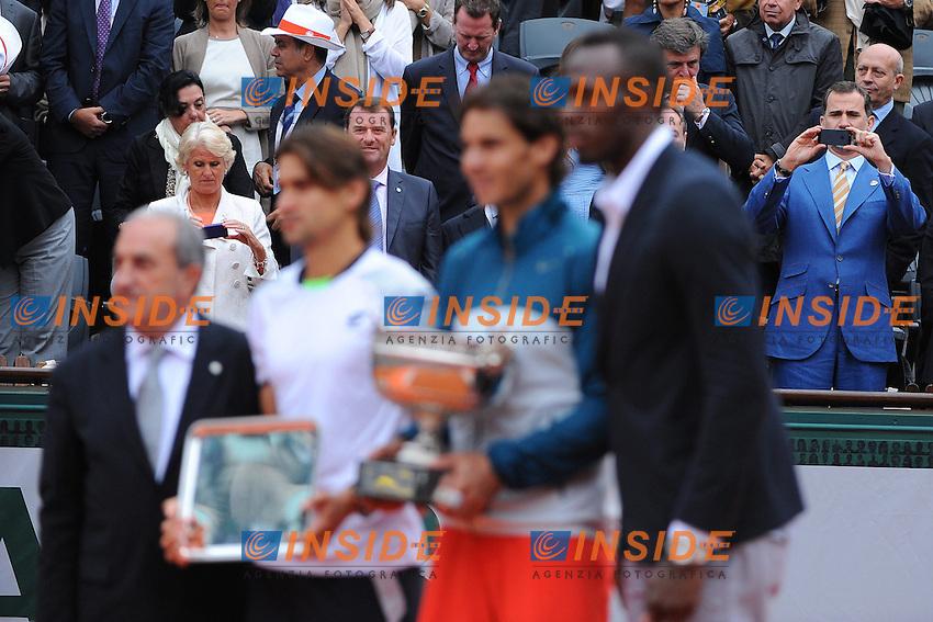 Rafael Nadal (ESP)<br /> Prince Felipe d'Espagne<br /> David Ferrer (ESP)<br /> Usain Bolt (JAM)<br /> Jean Gachassin (FRA) <br /> Il Principe Felipe di Spagna durante la premiazione della Finale del torneo vinta da Rafael Nadal. Il Principe fotografa con il telefonino Nadal, Ferrer e Usain Bolt<br /> Parigi 9/6/2013<br /> Tennis Roland Garros <br /> Foto Panoramic / Insidefoto<br /> ITALY ONLY