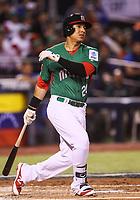 Efren Navarro de Mexico en el segundo inning, durante el partido Mexico vs Venezuela, World Baseball Classic en estadio Charros de Jalisco en Guadalajara, Mexico. Marzo 12, 2017. (Photo: AP/Luis Gutierrez)