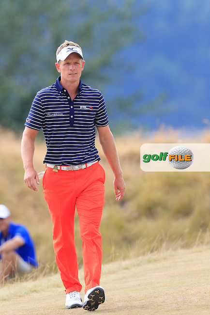 Luke Donald (ENG) walks onto the 4th tee during Thursday's Round 1 of the 2015 U.S. Open 115th National Championship held at Chambers Bay, Seattle, Washington, USA. 6/19/2015.<br /> Picture: Golffile | Eoin Clarke<br /> <br /> <br /> <br /> <br /> All photo usage must carry mandatory copyright credit (&copy; Golffile | Eoin Clarke)