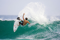 BEN DUNN (AUS) warming up for the Quiksilver Pro Snapper Rocks,  Gold Coast, Queensland, Australia.  Photo: Joli