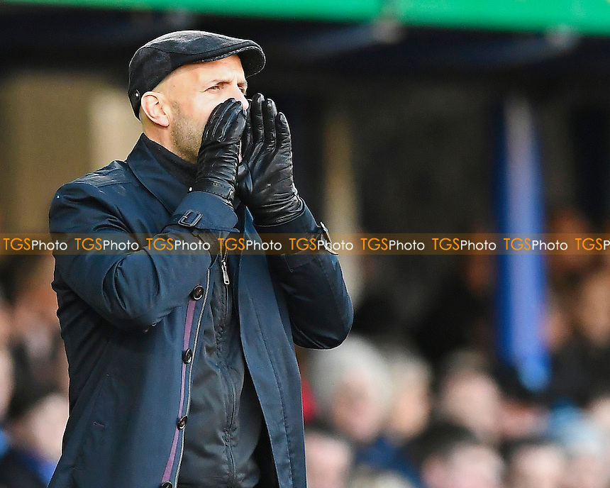 Exeter City Manager Paul Tisdale shouts instructions  to his team during Portsmouth vs Exeter City, Sky Bet EFL League 2 Football at Fratton Park on 28th January 2017