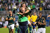 ATENÇÃO EDITOR: FOTO EMBARGADA PARA VEÍCULOS INTERNACIONAIS - SÃO PAULO, SP, 11 DE DEZEMBRO DE 2012 - JOGO DE DESPEDIDA DO GOLEIRO MARCOS - Marcos comemora gol de penalti durante partida de despedida do goleiro Marcos, entre o time do Palmeiras de 1999 Campeão da Libertadores contra a Seleção Brasileira de 2002 Campeã do Mundo. A partida foi disputada na noite desta terça feira (11) no Estádio do Pacaembu em São Paulo. FOTO: LEVI BIANCO - BRAZIL PHOTO PRESS