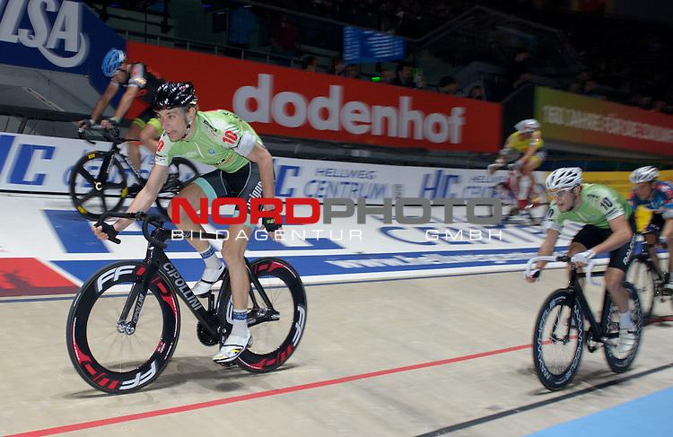 13.01.2015, &Ouml;VB Arena, Bremen, GER, Sixdays Bremen, im Bild Morgan Kneisky / Jesper Moerkoev (Team Leasing-eBike #10)<br /> <br /> Foto &copy; nordphoto / Frisch