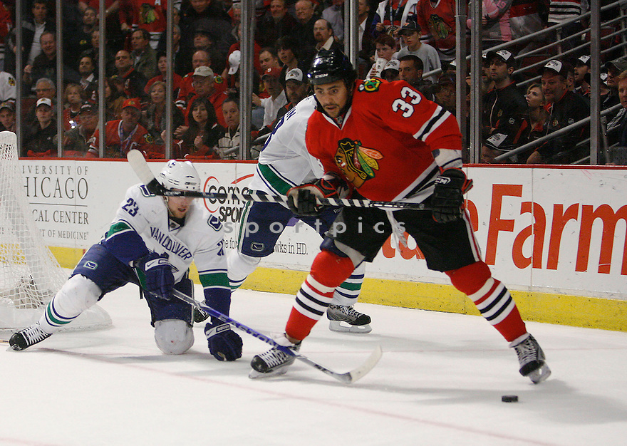 DUSTIN BYFUGLIEN, of the Chicago Blackhawks  in action during the Blackhawks game against the Vancouver Canucks in Chicago, IL on May 11, 2009  The Blackhawks win 7-5.