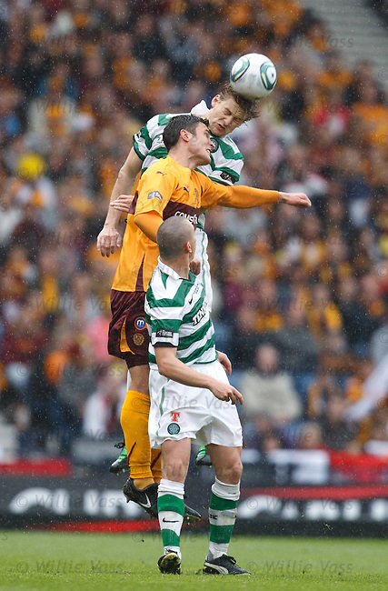 Glenn Loovens heads clear from John Sutton