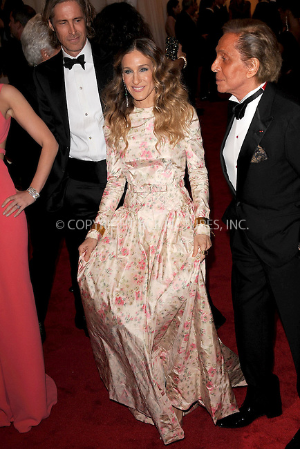 "WWW.ACEPIXS.COM . . . . . .May 7, 2012...New York City...Sarah Jessica Parker and Valentino attending the ""Schiaparelli and Prada: Impossible Conversations"" Costume Institute Gala at The Metropolitan Museum of Art in New York City on May 7, 2012  in New York City ....Please byline: KRISTIN CALLAHAN - ACEPIXS.COM.. . . . . . ..Ace Pictures, Inc: ..tel: (212) 243 8787 or (646) 769 0430..e-mail: info@acepixs.com..web: http://www.acepixs.com ."