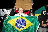 RIO DE JANEIRO,RJ,6.6.2013: ATO CONTRA O AUMENTO DAS PASSAGENS DE ÔNIBUS NO RIO DE JANEIRO- Ato contra o aumento das passagens de ônibus no Rio de Janeiro transformou o transito em um inferno no Centro da Cidade. O protesto terminou em confronto os policiais do batalhão de choque, camelôs que trabalham na região da Central do Brasil e que não tiveram nada a ver com o ato, foram detidos pelos policias que usaram bombas de gás, e spray de pimenta. SANDROVOX/BRAZILPHOTOPRESS