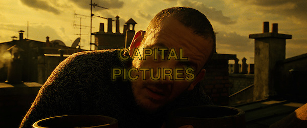 DANY BOON.in Micmacs (Micmacs a tire-larigot).*Filmstill - Editorial Use Only*.CAP/FB.Supplied by Capital Pictures.