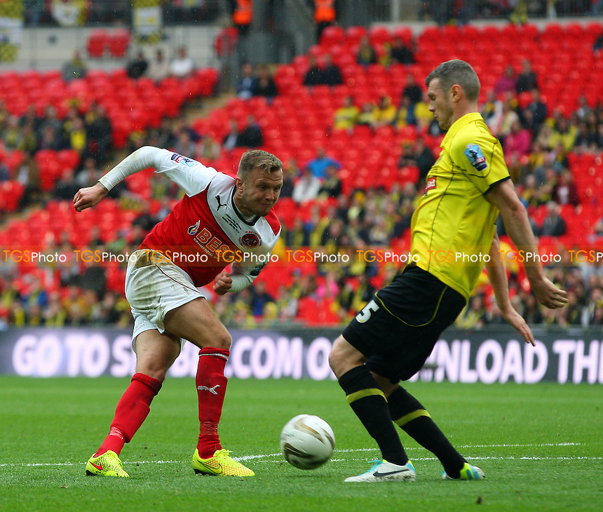 Zander Diamond of Burton Albion and David Ball of Fleetwood Town - Burton Albion vs Fleetwood Town, Sky Bet Play Offs - League Two play off final Wembley Stadium - 26/05/14 - MANDATORY CREDIT: Dave Simpson/TGSPHOTO - Self billing applies where appropriate - 0845 094 6026 - contact@tgsphoto.co.uk - NO UNPAID USE