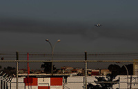GUARULHOS, SP, 29/06/2012, CENAS DE POUSO EM CUMBICA.   Luiz Guarnieri/ Brazil Photo Press.