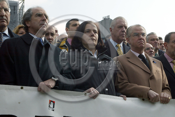 Belgium - Brussels - 11 March 2003 - Rond Point Schumann - silence Minute - Ramon De Muguel y EGEA, State Secretary of Foreign Affairs, Spain; Loyola de PALACIO, Commissioner for Transport; Spanish Ambassador to the Kingdom of Belgium, Francisco Fern?ndez FçBREGAS (Fabregas); --- PHOTO: EUP-IMAGES / ANNA-MARIA ROMANELLI