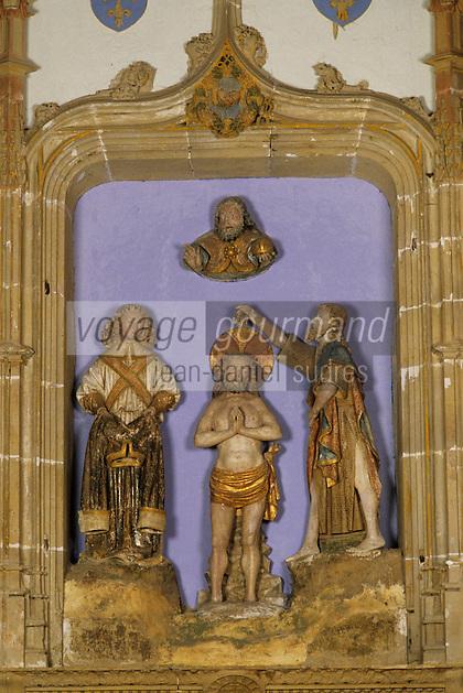 Europe/France/Auvergne/12/Aveyron/Estaing: Chapelle gothique de Iouradou - Groupe du baptême du Christ