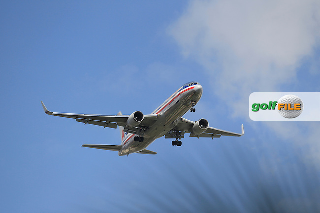 An American Airlines flight on approach to Miami Airport  during the 2nd round at the WGC Cadillac Championship, Blue Monster, Trump National Doral, Doral, Florida, USA<br /> Picture: Fran Caffrey / Golffile