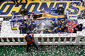 Alexander Rossi, Andretti Autosport Honda in victory lane