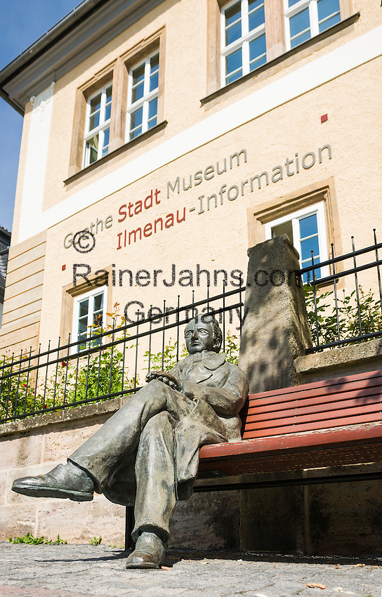 Germany, Thuringia, Ilmenau: Goethe statue in front of Goethe-City-Museum { Deutschland, Thueringen, Goethe- und Universitaetsstadt Ilmenau: Goethestatue vor dem Goethe-Stadt-Museum