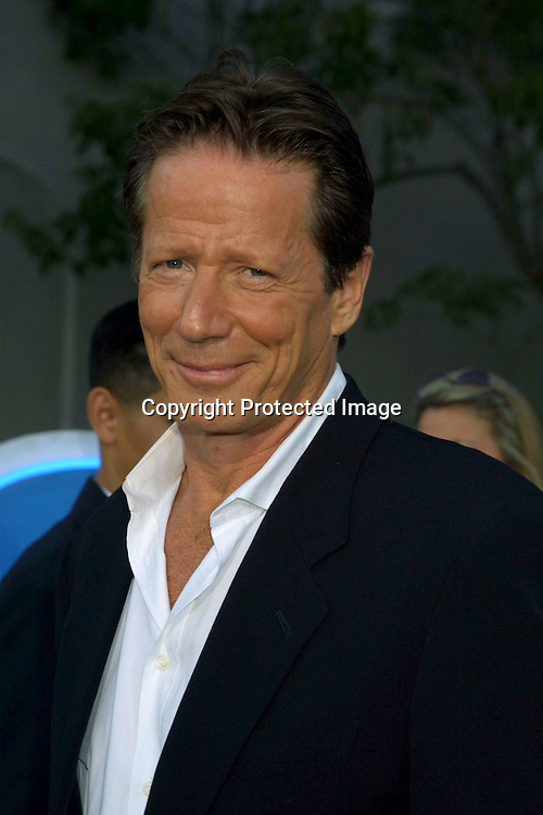 ©2002 KATHY HUTCHINS /HUTCHINS PHOTO.NBC TELEVISION CRITICS ASSOCIATION.PARTY.PASADENA, CA.7/24/02.PETER STRAUSS