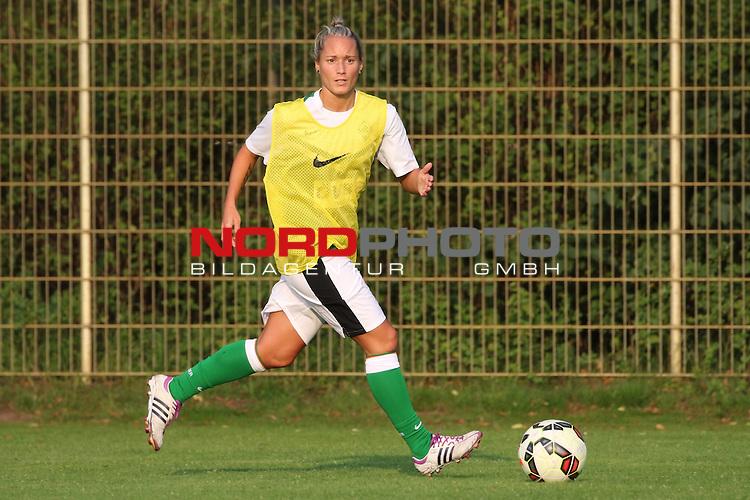 16.07.2015, , Bremen, GER, 1.FBL, Training Werder Bremen Frauen<br /> <br /> im Bild<br /> Gabriella T&oacute;th / Toth (Werder #15)<br /> <br /> Foto &copy; nordphoto / Ewert