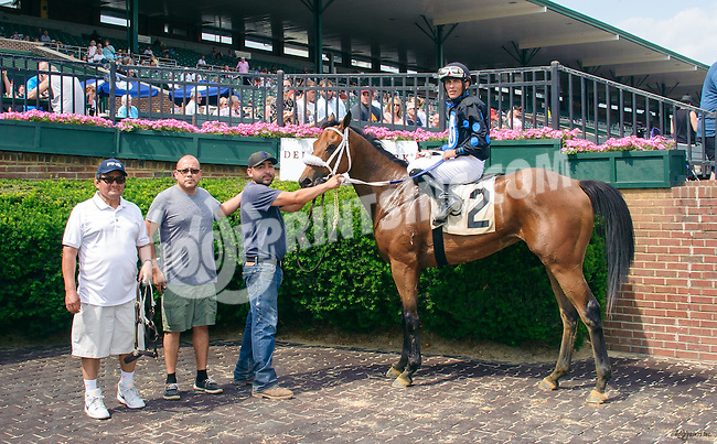 Dennis' Diamond winning at Delaware Park on 6/11/16