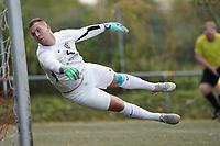 Chris Keilmann (Riedrode) geschlagen - Büttelborn 03.10.2019: SKV Büttelborn vs. FSG Riedrode, Gruppenliga Darmstadt