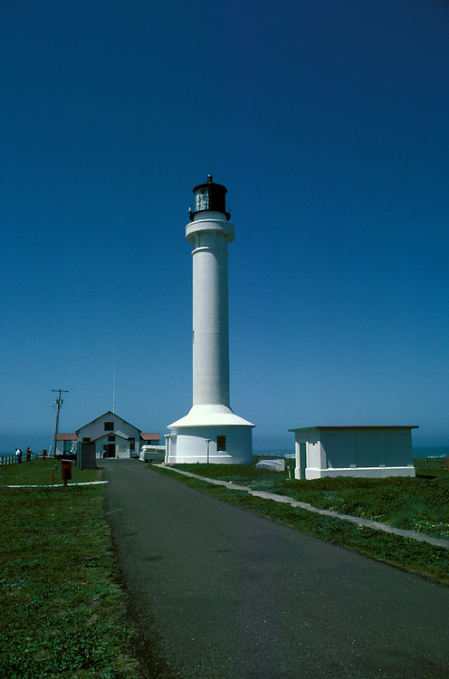 CA: California Coast, Point Arena lighthouse, 2005 .Image: captarena203.Photo Copyright: Lee Foster, lee@fostertravel.com, www.fostertravel.com, (510) 549-2202..