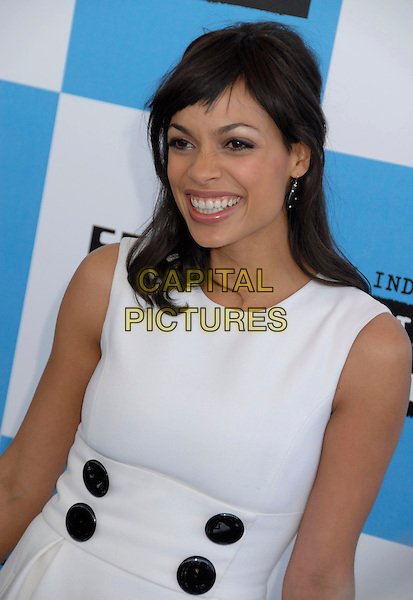 ROSARIO DAWSON.The 2007 Independent Spirit Awards held at the Santa Monica Pier, Santa Monica, California, USA..February 24th, 2007.half length white dress black buttons  .CAP/ADM/GB.©Gary Boas/AdMedia/Capital Pictures