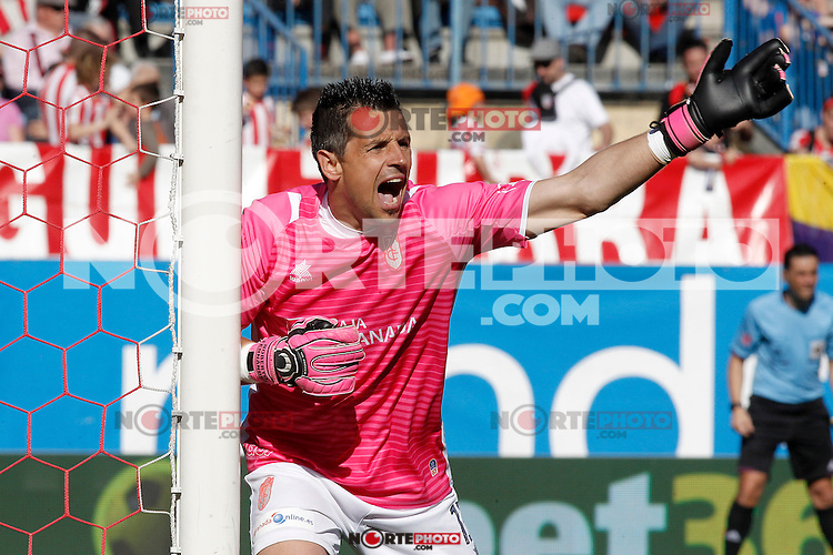 Granada's Roberto Fernandez during La Liga match.April 14,2013. (ALTERPHOTOS/Acero)