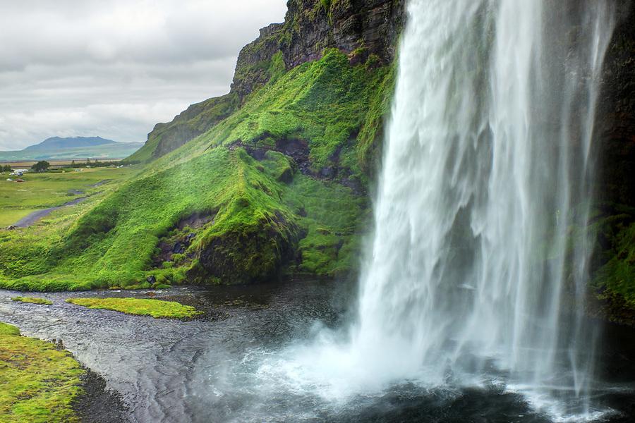 Seljalandsfoss plunge waterfall, South Region, Iceland