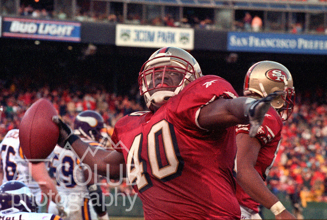 San Francisco 49ers vs. Minnesota Vikings at Candlestick Park Sunday, December 7, 1997.  49ers beat Vikings  28-17.  San Francisco 49ers full back William Floyd (40) celebrates.