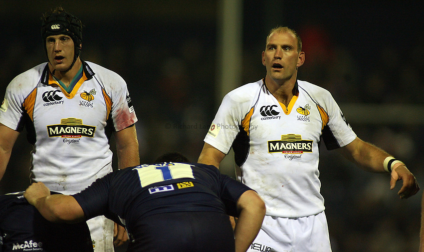 Photo: Paul Thomas..Sale Sharks v London Wasps. Guinness Premiership. 03/11/2006...George Skivington and Lawrence Dallaglio (R) of Wasps.