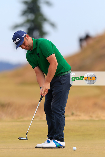 Andy SULLIVAN (ENG) putts on the 17th green during Thursday's Round 1 of the 2015 U.S. Open 115th National Championship held at Chambers Bay, Seattle, Washington, USA. 6/18/2015.<br /> Picture: Golffile | Eoin Clarke<br /> <br /> <br /> <br /> <br /> All photo usage must carry mandatory copyright credit (&copy; Golffile | Eoin Clarke)