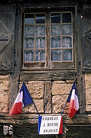 Europe/France/Midi-Pyrénées/46/Lot/Carennac: Plaque en l'honneur de l'adjoint municipal